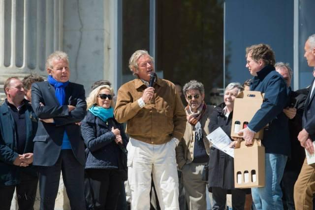François Cérésa, lauréat du prix Patrick Poivre d'Arvor des Vins de Saumur
